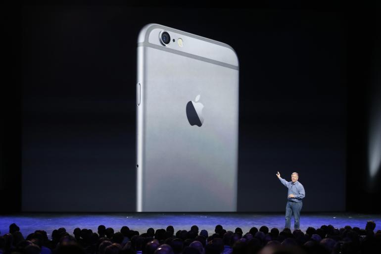 iPhone в России: история изменения цены на него