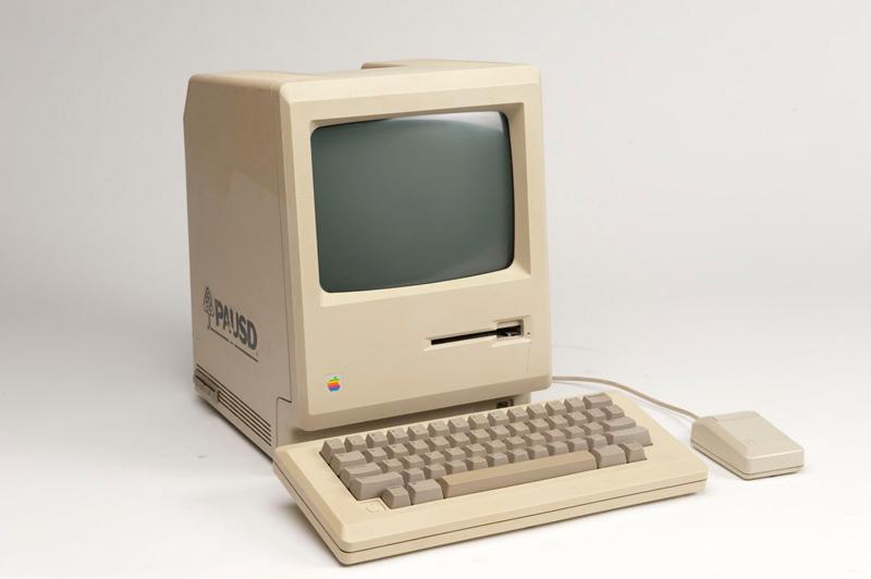 Компьютер Мас отмечает свой очередной день рождения