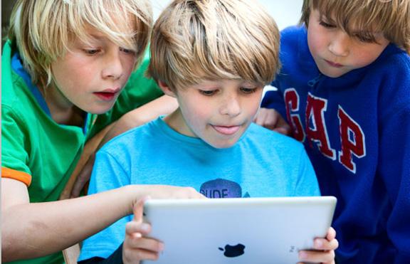 Школы Америки подадут многомиллионный иск против Apple