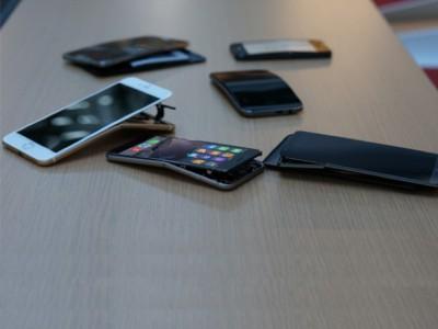 iPhone 6 Plus не единственный кто гнется