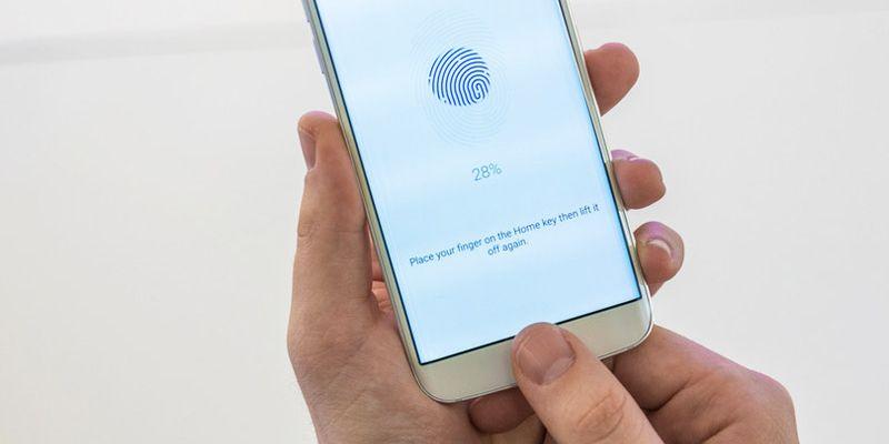 Google созрела для внедрения сканера отпечатков пальцев на Android