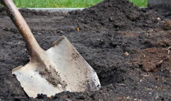 Ради iPhone можно и покойника ограбить или как из могилы смартфон достали