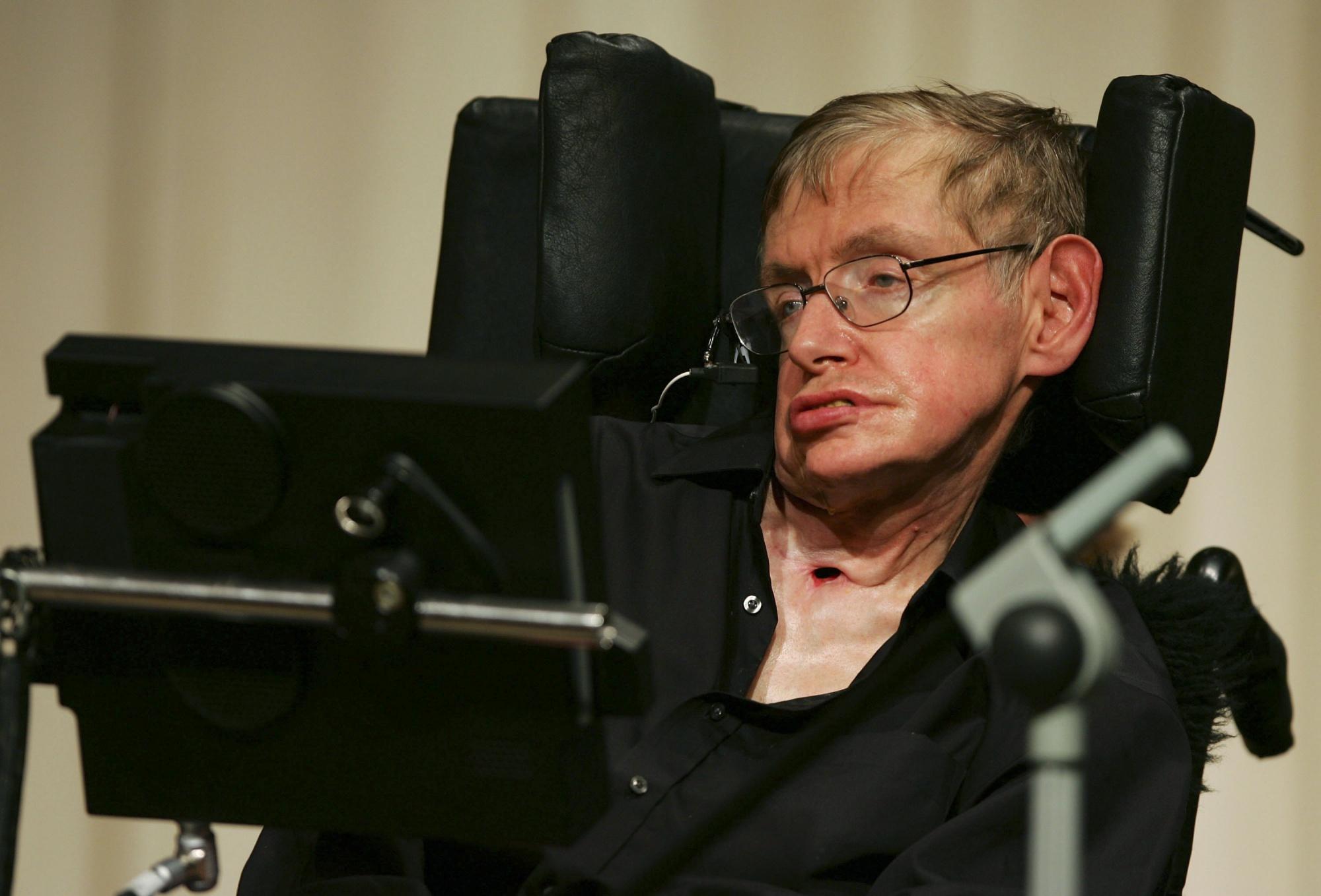 Стивен Хокинг предостерег создателей искусственного интеллекта. Необходим контроль над роботами