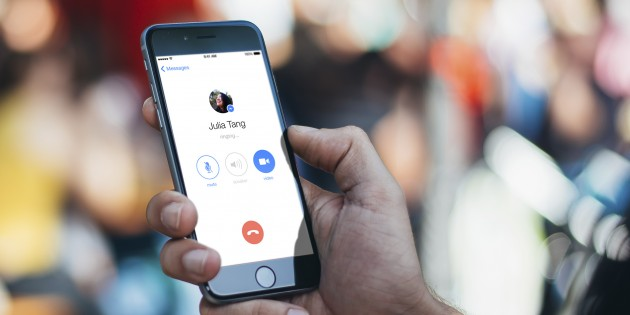 Видеозвонки в Facebook заработали в России